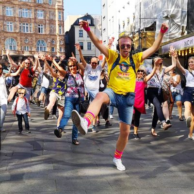Dancing silent disco tour in the city